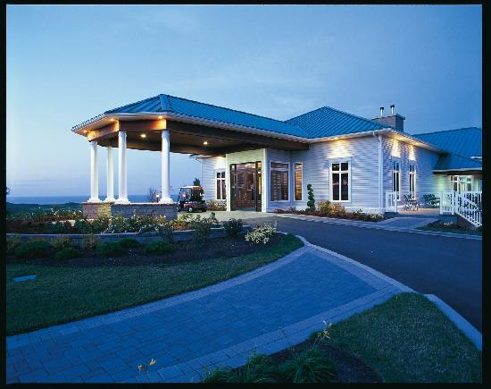 Wallace, Canada: Resort Reception Porte Cochere