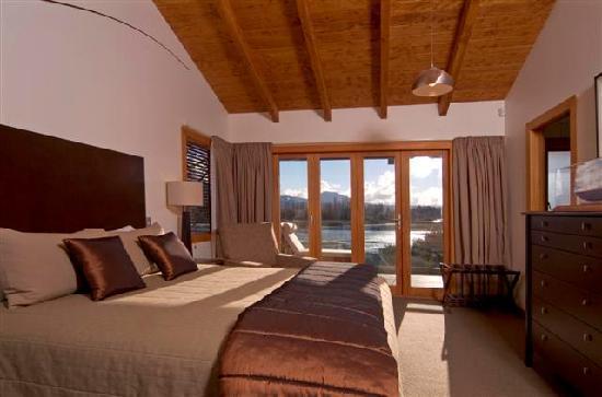 Tongariro Lodge: Luxurious Suroundings