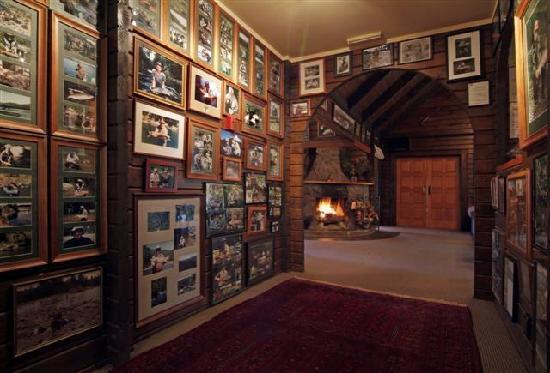 Tongariro Lodge: Interior of Main Lodge Building