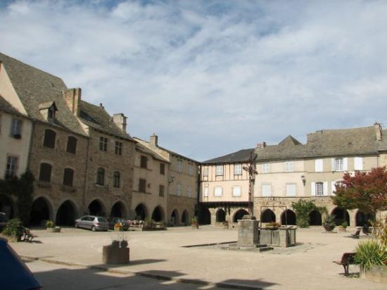 Sauveterre de Rouergue, France : Sauveterre-de-Rouergue