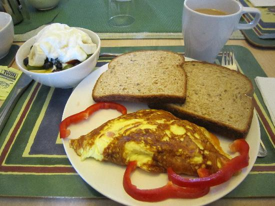 سويت دريمز تورونتو بد آند بركفاست: breakfast
