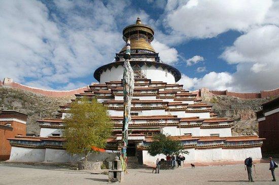 Palkhor Monastery and Kumbum Stupa