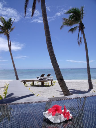 Aitutaki Escape: Lagoons edge boardwalk