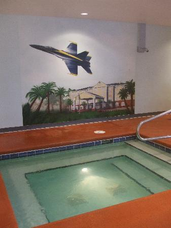 Country Inn & Suites by Radisson, Pensacola West, FL: Mural in pool area.