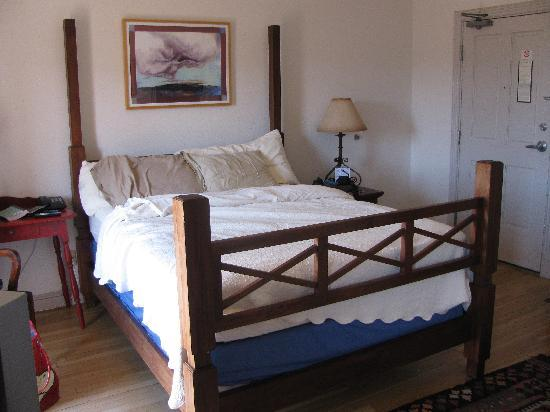 Sierra Grande Lodge & Spa: Hard bed, flat pillows