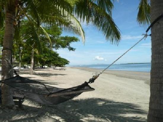 Sofitel Fiji Resort & Spa: Sofitel Denarau beach