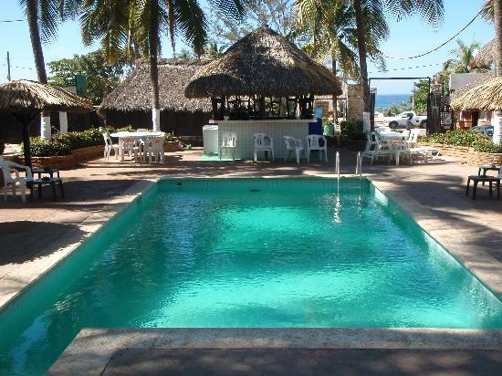 Hotel Rockaway: A quick walk across the street to the beach
