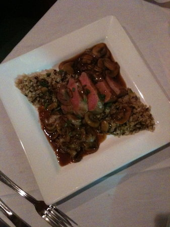Front Royal, Virginie : Duck with mushrooms and rice... wonderful