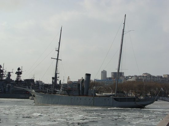 Vladivostok, Russia: Gold horn bay