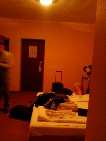 Lido Hotel Budapest: non funzionavano neanche le lampadine !!