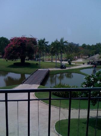 Bangpra International Golf Club: クラブハウスから