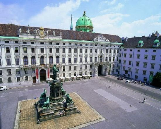 Imperial Palace (Hofburg) (Vienna) - 2019 All You Need to Know ... on jardin des tuileries map, prince william map, schonbrunn palace map, hampton court palace map, holyrood palace map, prince of wales map, schloss hof map, royal palace of madrid map, number one observatory circle map, el escorial map,