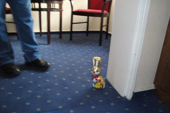 Igeler Säule: Surprise Easter bunny from the hotel management