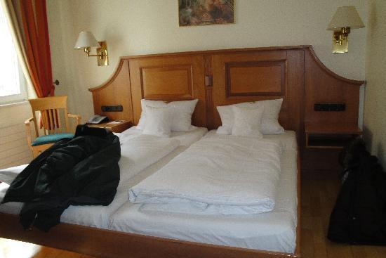 Romischer Kaiser : comfy bed