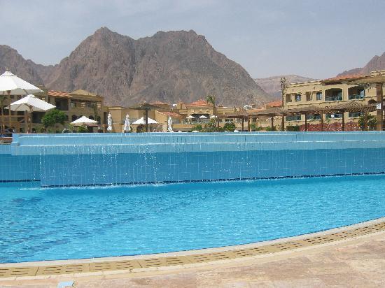 Swiss Inn Dream Resort Taba : vue sur les montagnes du Sinaï