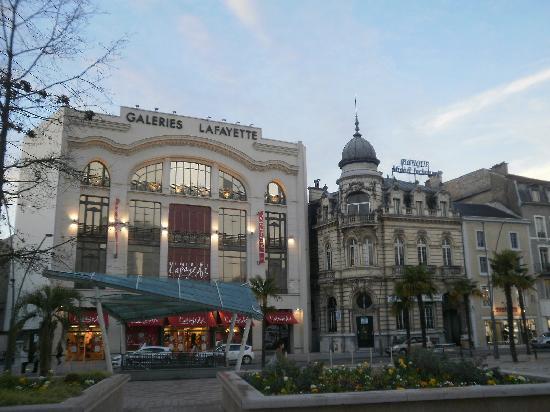 Pau, France : Place