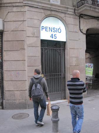Pension 45: Esterno