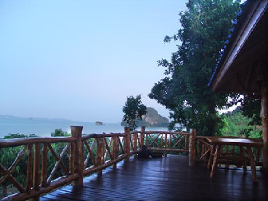 Esmeralda View Resort: terrace
