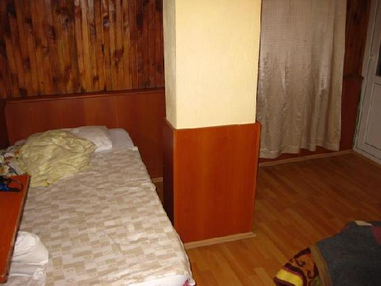 Mustafa Hotel: Room, other side