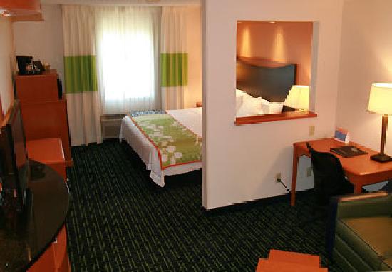 King suite room in Fairfield Inn & Suites Norman