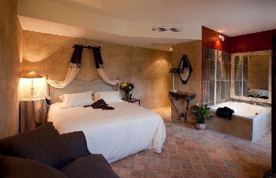 Tour-de-Faure, Frankrike: La Suite des Cardaillac