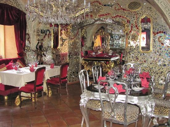 Alchymist Nosticova Palace: The Crystal Room, great for dinner