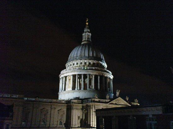 Grange St. Paul's Hotel: view of St Pauls at night from the roof terrace