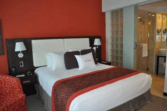Queen Size Bed Room#317   Picture of Doubletree by Hilton San Juan