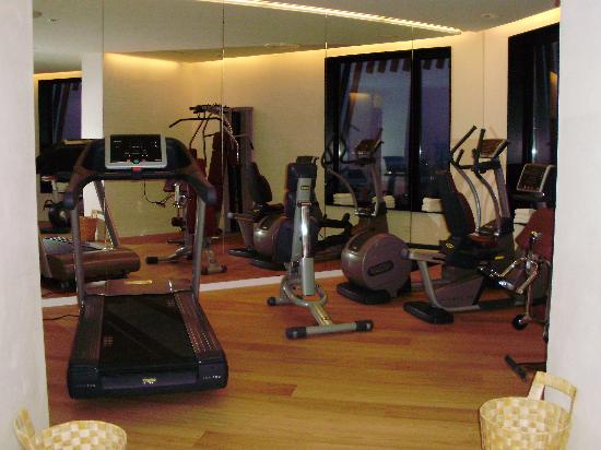Estupendo hotel con detalles a pulir hotel porta fira for Gimnasio hospitalet