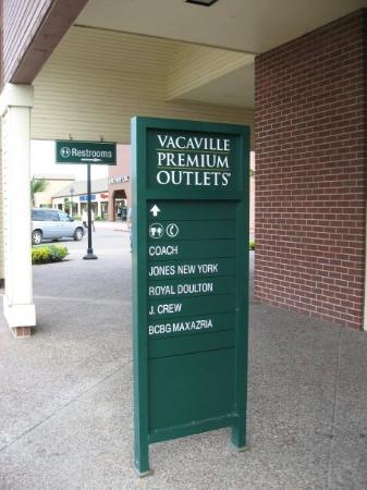 Vacaville, Califórnia: This is my first time been to this far far away shopping premium outlets. It is 90 minutes drive