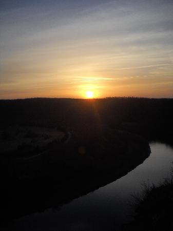 The White River Inn: beautiful sunrise