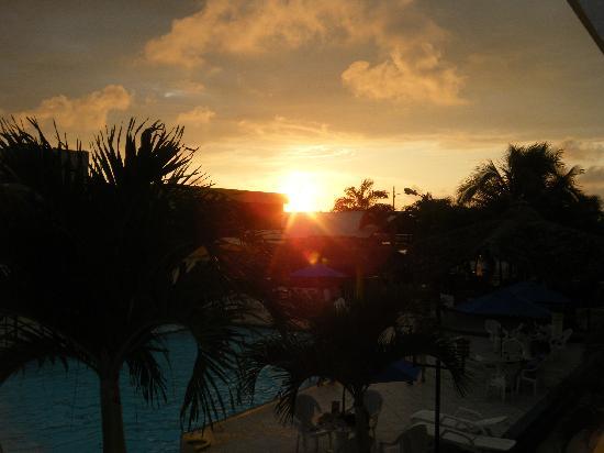 Hotel Club del Sol: Sundown!!!