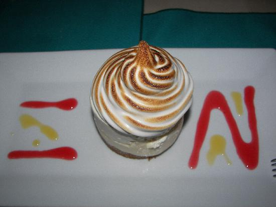 Maya Beach Hotel Bistro: Key lime pie