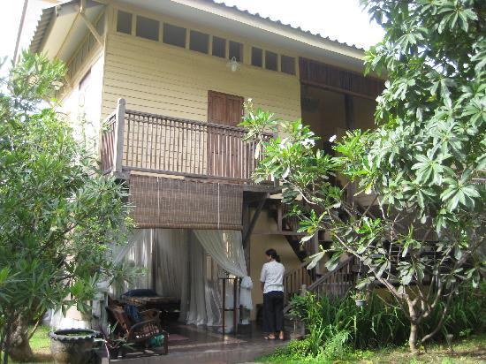 Villa Duang Champa: Teak House In The Garden