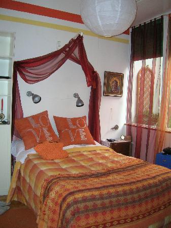 B&B Tre Gigli Firenze: Una delle due camere da letto