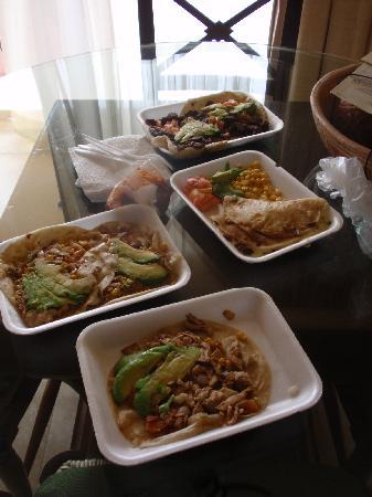 Gordo Lele's Tacos & Tortas: Gordo's take out.