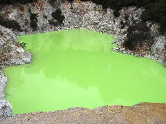 Wai-O-Tapu Thermal Wonderland: Sulphur Pool, Wai-o-tapu