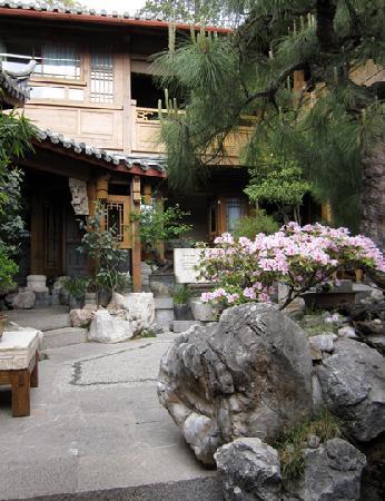 Zen Garden Hotel (Lion Mountain Yard): zen garden