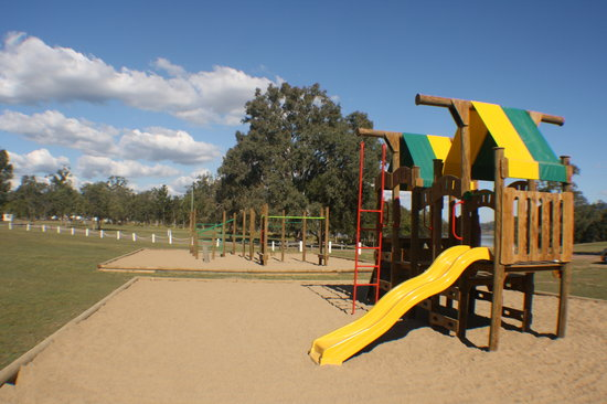 Lake Somerset Holiday Park: Playground