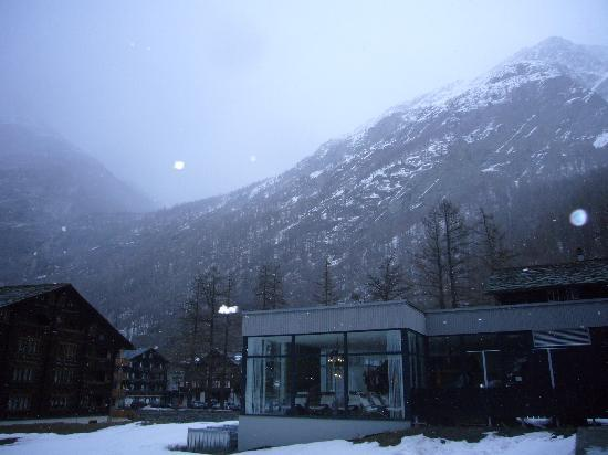 Saas-Almagell, Suiza: The hotel in the middle of Swiss Alps