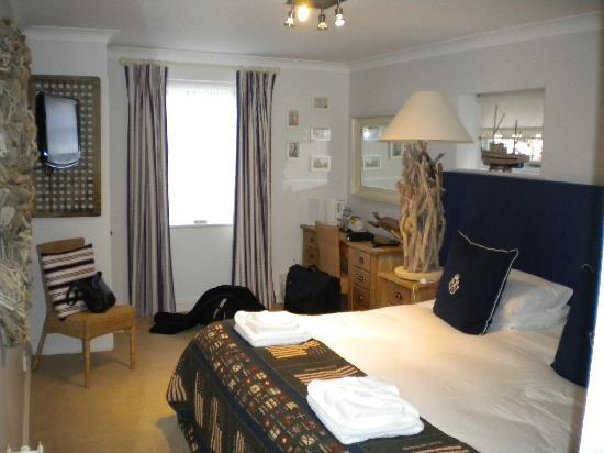 Haytor Hotel : upgraded bedroom