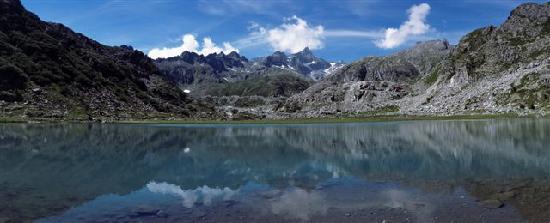 มาดอนนา ดิ แคมพิกลิโอ, อิตาลี: Lago di Cornisello, Madonna di Campiglio