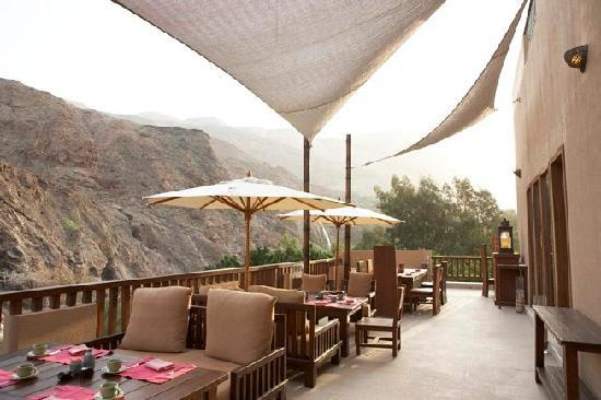 Ma'In Hot Springs: dining terrace