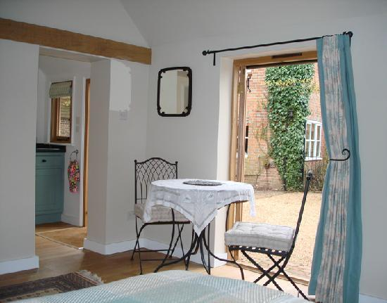 Burghurst Lodge: Set in a courtyard