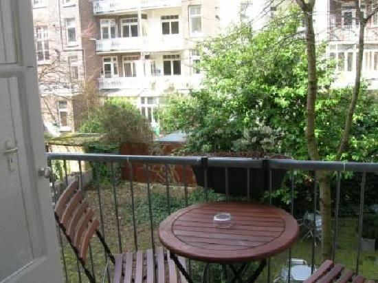 Alp Hotel Amsterdam: Balkon zur Hofseite
