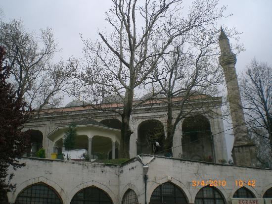 Yildirim Bayezit Mosque (Yildirim Bayezit Camii): Outside