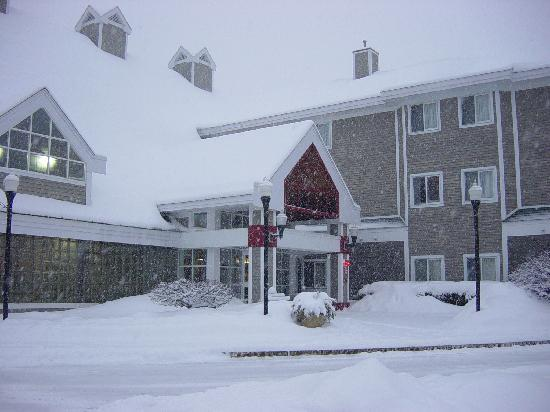 Winter Image of Comfort Inn Concord - Near Pats Peak & Mt. Sunapee Ski Areas