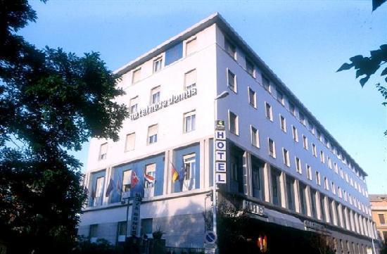 Quality Hotel Nova Domus: building