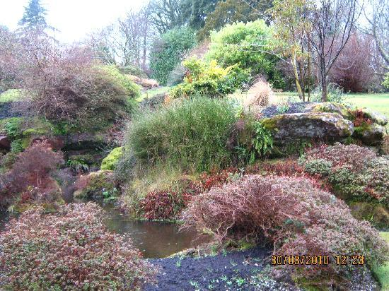 Loch Long Hotel: The gardens at Mount Stuart House