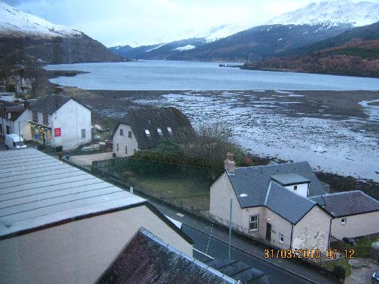 Loch Long Hotel: The view from the hotel